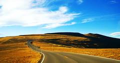 Colorado Trail Ridge Road (Hsin Ju HSU) Tags: road trip summer mountain snow green fog landscape drive golden nationalpark spring high perfect colorado smoke wide roadtrip lan smokey co rockymountain rmnp estespark tundra rockymountainnationalpark trailridgeroad seasonfall highevaluation