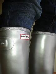 Astronaut wellies! (essex_mud_explorer) Tags: silver boots rubber hunter wellingtonboots wellies rubberboots gummistiefel wellingtons rainboots
