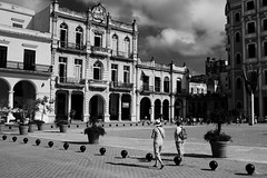 The New Square (leftyguk) Tags: blackandwhite havana cuba streetphotography canon400d canonefs24mmstm