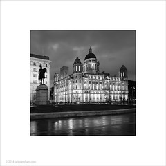 Port of Liverpool Building (Ian Bramham) Tags: building liverpool photo thought scene threegraces looked familiar hou portofliverpool i ianbramham