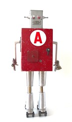 A-ssemblage robot (gille monte ruici) Tags: red sculpture art metal robot junk iron box assemblage creation foundobjects recycling bots doityourself invention metalbox metalart robotssculpture recycledmetalart detalhesemferro junkrobot foundartrobot gillemonteruici hijackingobjects