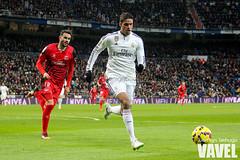Real Madrid 2-1 Sevilla (VAVEL Espaa (www.vavel.com)) Tags: madrid sevilla 1415 realmadrid sevillafc realmadridcf iborra varane ligabbva