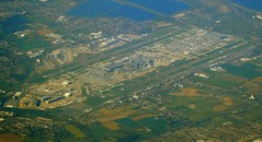 London Heathrow Airport aerial view (WlNGS) Tags: plane airplane airport torre aircraft jet aerialview aeroporto aeroplane apron concorde t5 ba flughafen terminal3 flugzeug britishairways aeroport aeropuerto runway airliner avion lhr controltower egll