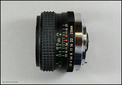 Sun Auto MC 28mm 2.8 Wide-Angle Lens (02) (Hans Kerensky) Tags: auto sun lens 28mm wideangle mount mc 28 yashicacontax