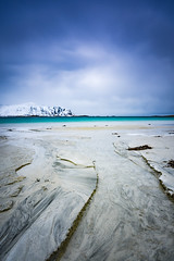 Ramberg beach (Lukasz Lukomski) Tags: longexposure sea costa snow mountains beach water norway landscape island coast norge sand europa europe scandinavia lofoten gry woda archipelago morze plaa piasek sigma1020 krajobraz norwegia wyspa snieg wybrzee skandynawia lofoty flakstadya nikond7200 lukaszlukomski