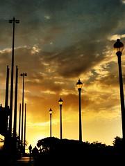 """""""Farolas"""" (atempviatja) Tags: luz sol paseo cielo farolas"""