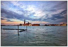 Entre Ciel et Eau (armandbrignoli) Tags: venise eau water lagune ciel sky nuage cloud twilight canon 5d2 ville city