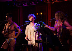 IMG_2490 (Cherie B. Tay) Tags: nyc concert ukulele 54below theskivvies
