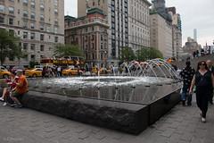 David H Koch Plaza (Cthonus) Tags: newyork fountain museum geotagged artgallery welch themet metropolitanmuseumofart beauxarts 1901 davidhkochplaza benjaminnsarahdukehouse dukesemansmansion smithprovot