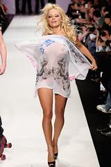 Pamela Anderson (fande.lady) Tags: mature pamelaanderson actrice clbrit clbre