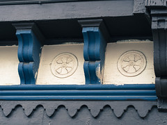 cornice wheels (BlogKing) Tags: buildingdetail victorian kensington