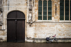 Bike parked in Bruges (Mario Graziano) Tags: brugge vlaanderen belgium be bruges bike bicycle bici bicicletta parcheggio parcheggiato parcheggiata parked ciclabilit ciclabile belgio