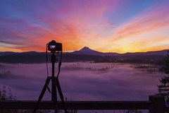 Capturing Sunrise at Jonsrud Viewpoint (David Gn Photography) Tags: jonsrud sandy oregon viewpoint camera tripod photography scenic landscape mthood foggy pacificnorthwest unitedstates usa northamerica colors early morning sunrise