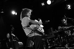Linda Oh: bass / Pat Metheny: guitar / Antonio Sanchez: drums (jazzfoto.at) Tags: wwwjazzfotoat wwwjazzitat jazzitsalzburg jazzitmusikclubsalzburg jazzitmusikclub jazzfoto jazzfotos jazzphoto jazzphotos markuslackinger jazzinsalzburg jazzclubsalzburg jazzkellersalzburg jazzclub jazzkeller jazzit2016 jazz jazzsalzburg jazzlive livejazz konzertfoto konzertfotos concertphoto concertphotos liveinconcert stagephoto salzburg salisburgo salzbourg salzburgo austria autriche blitzlos ohneblitz noflash withoutflash sonyalpha sonyalpha77ii alpha77ii sw dscrx100iii blackandwhite blackwhite noirblanc bianconero biancoenero blancoynegro