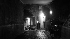 dark alley (byronv2) Tags: edinburgh edinburghbynight edimbourg morrisonstreet night nuit nacht scotland alley close cobbles cobbled blackandwhite blackwhite bw monochrome