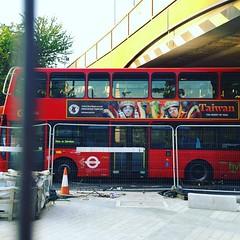 臺灣的廣告~😄😄😄 #iPhone  #Travel #LOVE  #UK #backpacker #Europe #LONDON #TowerBridge #British #UnitedKingdom #Europe_vacations (J.D Chen ♂) Tags: square squareformat clarendon iphoneography instagramapp uploaded:by=instagram