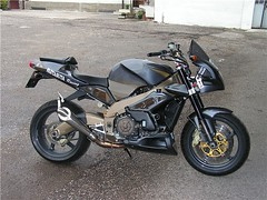 "aprilia_tuono_32 • <a style=""font-size:0.8em;"" href=""http://www.flickr.com/photos/143934115@N07/27694001105/"" target=""_blank"">View on Flickr</a>"