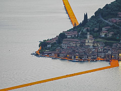 The Floating Piers (Riccardo Palazzani - Italy) Tags: italien bridge italy orange lake art water artwork opera italia arte piers floating olympus ponte claude jeanne brescia lombardia italie itlia omd christo riccardo arancione itali  em1 passerella lombardie iseo darte italya   lombardei  montisola  sulzano  palazzani veridiano3