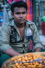 Guy selling snacks (ReinierVanOorsouw) Tags: reizen myanmar birma burma travelling travel travelstoke reiniervanoorsouw sony sonya7r sonya7rii a7rii asia asya azie yangon yangoon rangon rangoon shwedagon shwedagonpagoda pagoda