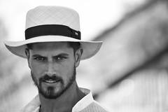 9368 (G de Tena) Tags: espaa man sevilla nikon europa andalucia ojos sombrero mirada hombre d800 miradas