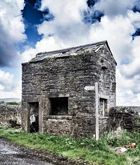 Tally House, Chipping (Normanbongo) Tags: lancashire limestone limekiln chipping bowland troughofbowland ribblevalley tallyhouse uploaded:by=flickrmobile flickriosapp:filter=nofilter