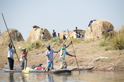 Going to market, Barotse floodplain, Zambia. Photo by Patrick Dugan, 2012.