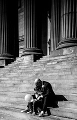 wedding people liverpool candid smartphone stgeorgeshall... (Photo: xhupf on Flickr)