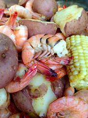 "Southern ""Low Country Boil"" (glasskunstler) Tags: low country billcrabshrimpdocksouthernpotatoescornsausagefoodfreshriverbrackinshwaters"