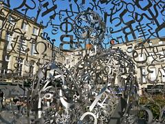 Bordeaux, Gironde: Self-portrait de Jaume Plensa, place Camille Jullian (Marie-Hélène Cingal) Tags: selfportrait france 33 bordeaux jaumeplensa sudouest aquitaine gironde