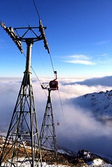 Tochal (Mehrdad Rajabi) Tags: sky cloud mountain snow cloudy bluesky cablecar tehran توچال tochal تهران تله کابین iphone5s