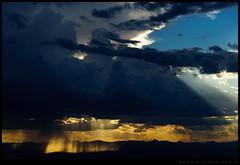 Luces y tormenta sobre la meseta