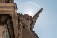 El santo (Xavier Fa) Tags: barcelona bcn estatua santo camposanto tamron1750 canoneos70d