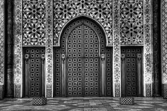 Casablanca - Hassan II Mosque (Rik Tiggelhoven Travel Photography) Tags: africa door travel blackandwhite bw detail building texture monochrome architecture canon photography eos mosaic details mosque morocco ii maroc afrika casablanca hassan fullframe mosaique rik marokko 6d mosque moskee ef1740mmf4lusm tiggelhoven