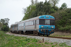 UDD 0456 | 6412 | Bombarral (Fbio-Pires) Tags: portugal train diesel railcar passenger cp regional cummins comboio ferrovia automotora udd passageiros bombarral 0450 6412 0456 cpregional linhadooeste terminalintermodal cp0450 tracodiesel commuterunit cp0456