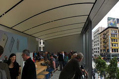 Apple Store - San Francisco Store 2nd floor balcony (raluistro) Tags: sanfrancisco apple shopping tech applestore unionsquare