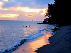 Anse Colat (Aur Bel) Tags: ocean sunset beach de landscape outside soleil martinique ciel nuage paysage plage couch madinina