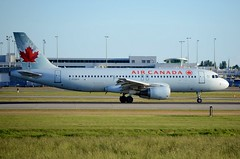 C-FGKH at Vancouver 09.05.16 (markh767) Tags: airbus yvr a320 aircanada cfgkh