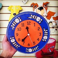 working today, just finished fixing this... (doodooFORyooyoo) Tags: gifts clocks memorialday ticktock kittyclock vintageclocks uploaded:by=flickstagram instagram:venuename=aubrey27sclockgallery instagram:venue=195509160 instagram:photo=7290563758538914333975078 reginawina timelygifts kitschytimepieces