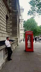 264/365 Useless (London calling) (darioseventy) Tags: uk greatbritain red england london mobile call unitedkingdom communication comunicazione cellulare londra granbretagna londoncity inghilterra rossa cabinatelefonica chiamata phonecab