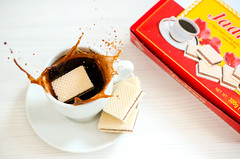 Freeze the moment! (coffee and wafers) (MLazarevski) Tags: coffee wafers speedphotography speed freeze time jadran evropa