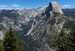 Half-Dome overlooking Yosemite valley... (al-ien) Tags: halfdome yosemite california