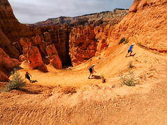 The slow hike up from the Canyon (Garen M.) Tags: friends landscape bryce day3 brycecanyonnationalpark olympusomdem1 zuikopro714mmf28 zuikopro1440mmf28