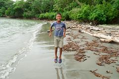 La felicidad del mar (Mara Paola Aguilar) Tags: ro cedro rio crdoba cordoba colombia beach playa photography fotos mariapaolaaguilarrojas paraso natural caribe mar sea