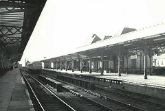 Middlesbrough station (hugh llewelyn) Tags: station middlesbrough