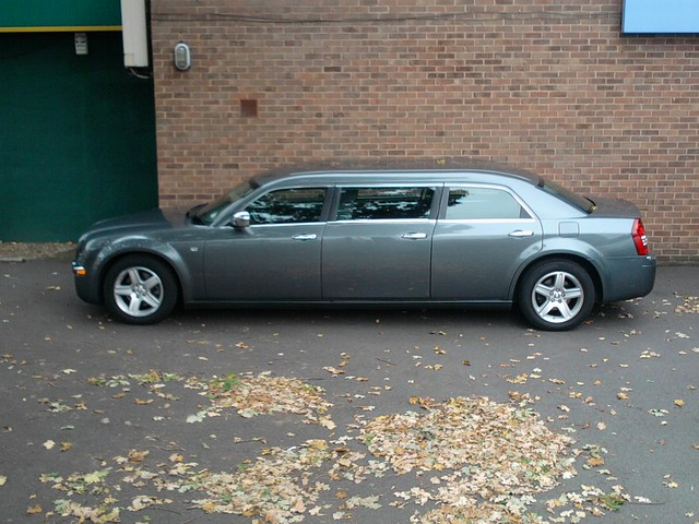 auto se limo funeral coop chrysler 300c 2010 directors cfd crd