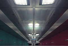 Mnchen U-Bahn Wettersteinplatz I (Jens Edinger Fotografie (y-oo-m)) Tags: mnchen jens ubahn rgb yoom wettersteinplatz edinger