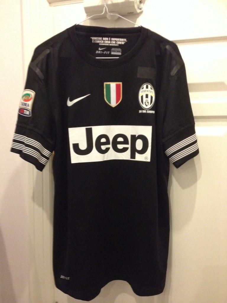 5fc7a6c9e Juventus Vidal Matchworn Issued away 2012-13 (Shamlan17) Tags  chile away  worn