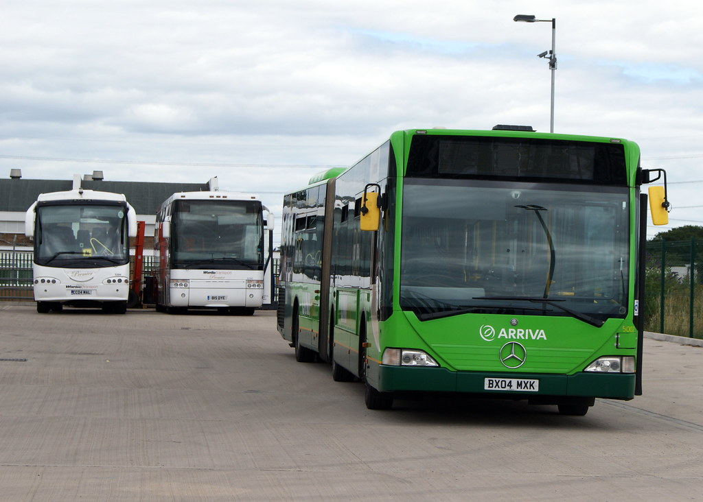 The world 39 s best photos of 5002 and arriva flickr hive mind - Mercedes benz garage london ...