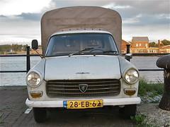 28-EB-62 PEUGEOT 404 UXD Pick-up, 1978 (ClassicsOnTheStreet) Tags: plateau pickup 1978 404 uxd peugeot pininfarina pritsche utilitaire camionette huif cwodlp bâchée camionettebâchée 28eb62 plateaubâchée