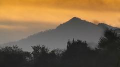 TANGANCICUARO (NIKONIANO) Tags: mountain sunrise dawn soleil amanecer inmexico leverdejour sergioalfaroromero tangancícuaro paisajesdeméxico tangancícuaromichoacánméxico